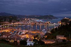Preciosa vista de la villa de Ribadesella, Asturias, España