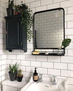 small Bathroom Decor Pflanzen im Bad . Bohemian House, Bad Inspiration, Bathroom Inspiration, Bathroom Inspo, Modern Bathroom, Bathroom Vintage, Bathroom Small, Bathroom Designs, Minimal Bathroom