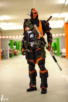 """cosplay-gamers: """" Deathstroke Cosplay by Eye of Sauron Designs Photography by Greencat """" Epic Deathstroke Cosplay Weapons, Dc Cosplay, Best Cosplay, Cosplay Costumes, Cosplay Ideas, Deathstroke Costume, Deathstroke The Terminator, Dc Comic Books, Comic Book Characters"""