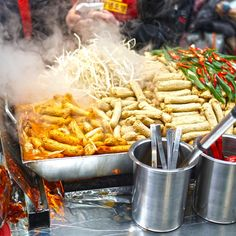Here is the article about best street foods around the world. In which India is the leading country in the street food world. World Street Food, Best Street Food, Asian Recipes, Ethnic Recipes, Restaurant Recipes, Food Truck, Around The Worlds, Countries, Foods