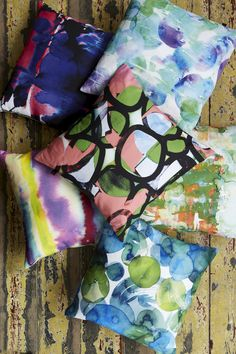 25% off Amy Sia scarves and cushions with thie coupon code: HOLIDAYS25PIN Ends 5/12/14