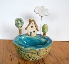 """Most current Pic small Ceramics projects Style Keramik Schale """"kleine Welt mit Haus am Meer"""" Pottery Painting, Ceramic Painting, Pottery Art, Ceramic Art, Ceramics Projects, Clay Projects, Ceramic Bisque, Ceramic Bowls, Cute Small Houses"""
