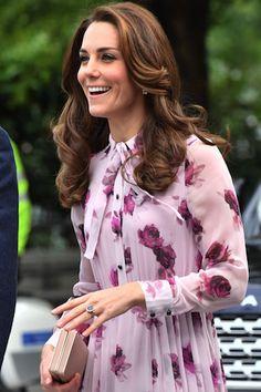 ファッションと共に魅了するキャサリン妃のヘアスタイル7変化