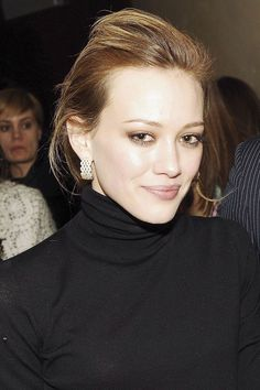 In 2006, Hilary showed up at a New York Fashion Week event for Zac Posen looking more refined than ever. #refinery29 http://www.refinery29.com/2016/03/106735/hilary-duff-beauty#slide-15