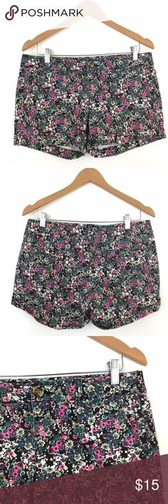 """American Eagle Outfitters Floral Midi Shorts 10 J1 Waist: 17"""" Length: 13""""  Condition: No Rips; No Stains  97% Cotton 3% Elastane  📦Orders are shipped within 24hrs! {Except weekends}📦  🚫No Trades🚫No Holds🚫 American Eagle Outfitters Shorts Cargos"""