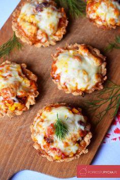 tartaletki z kurczakiem Polish Recipes, Calzone, Falafel, Aga, Tortellini, Baked Potato, Food To Make, Catering, Nom Nom