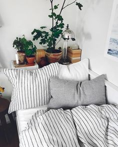 cozy reading nook or guest bedroom ideas Guest Bedrooms, Home Decor Bedroom, Bedroom Ideas, Dream Rooms, My New Room, House Rooms, Cozy House, Apartment Living, Home And Living