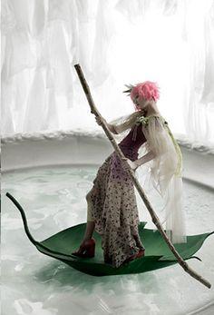 """A Thumb Princess"": Daul Kim Plays Thumbelina by Kim Jung Han for Vogue Girl Korea gondola leaf Tim Walker, Fashion Art, Editorial Fashion, Fashion Design, Asian Fashion, Fotografie Portraits, Girl Korea, Vogue Korea, Fantasy"