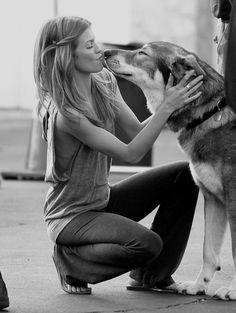 Anna Lynne Mccord. Doggy kisses. Hair style. SKINNY arms & loose tank <3