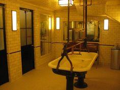 Schiller Multi-Sex Bathroom