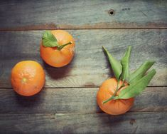"Fruit Still Life Photography - dark gray wood, rustic kitchen, tangerines, fine art food photography print 8x10 - ""Clementines"" on Etsy, 23,22 €"