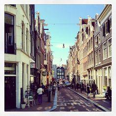 Shoppen? Loop zeker door de #9straatjes! Hier vind je namelijk de leukste boetiekjes! http://travelbird.nl/stedentrip-amsterdam/ #Amsterdam #Nederland