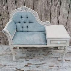 Ricoloriamo un divanetto in velluto - ricolora la tua casa con la chalk paint Vintage Paint - www.vintagepaint.it