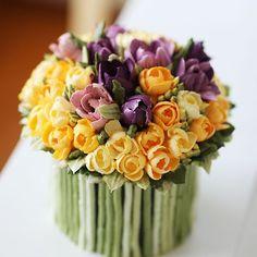 My student's work...bouquet style. MASTER CLASS #cake #buttercream #flowers #edible #truecooks #bouquet #artwork #kissthecake #tulip #freesia #케이크 #케익 #꽂  #버터크림 #플라워 #부케 #튤립 #프리지아꽃 #후리지아 #키스더케이크