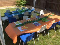Dino party decor
