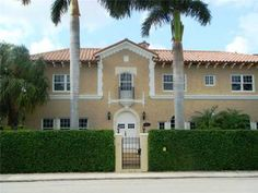 Historic Flagler mansion with total renovation including impact glass and a new roof. Large gourmet kitchen and fantastic outdoor screened & covered patio with summer kitchen. Large master suite with huge closets and new master bath. Incredible pooland spa. One of Historic West Palm's showpiece properties.   Price: $1,375,000  www.fiteshavell.com