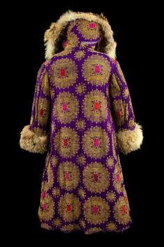 9. Ivan Bilibine et Léon Bakst   Costume pour les représentations   de Boris Godounov à l'Opéra de Paris en 1908   Moulins, CNCS   Photo : Jean-Marc Tessonnier
