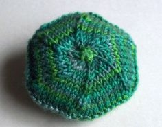 hexipuff #2, knitted from the center out
