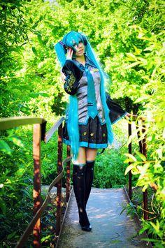 Vocaloid. Character: Miku Hatsune. Cosplayer: Yulija Elli Kugeeva 'aka' Kawaielli. From: Tula, Russia. Photo: Kio 2013.