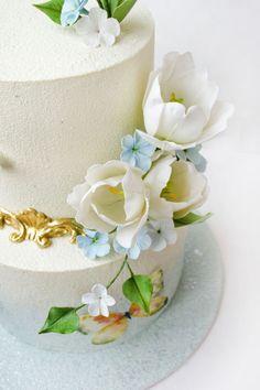 Wedding cake with tulips