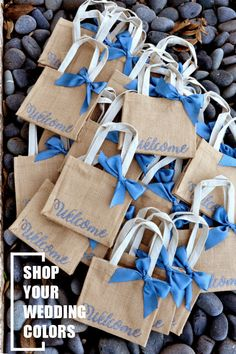 This burlap gift bag would be perfect to fill with goodies for out of town wedding guests. Your guests would love their hotel welcome bags! Wedding Gift Bags, Wedding Gifts For Guests, Wedding Welcome Bags, Beach Wedding Favors, Unique Wedding Favors, Trendy Wedding, Wedding Rings, Wedding Ideas, Hotel Gast