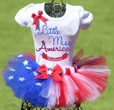 This spectacular of July tutu outfit includes a red, white, and blue star-studded tutu and a personalized Little Miss America shirt complete with your child Frozen Birthday Shirt, Birthday Shirts, July Birthday, Birthday Tutu, Birthday Ideas, Tutu Outfits, Kids Outfits, Tutu Dresses, Blue Outfits