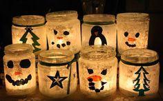 Weihnachtsteelichter Mit weißer Farbe bemalen dann noch paar Tannenbäume und/oder Schneemannsgesichter drauf und schon ist das Weihnachtsteelicht fertig.