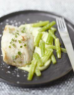 Turbot, granny et céleri d'Anne-Sophie Pic Gordon Ramsay, Chefs, Anne Sophie Pic, The Bistro, Seafood, I Am Awesome, Good Food, Menu, Snacks