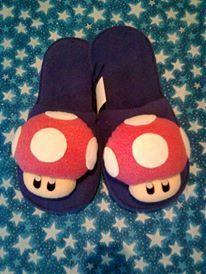 Pantufla Hongo Mario Bros. Hecho a mano. Diseñamos lo que te gusta