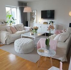 Stylish Living Room, Room Interior, Apartment Living Room, New Living Room, Home Decor, Apartment Decor, Small Sitting Rooms, Living Room Inspiration, House Interior Decor