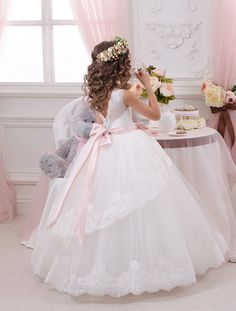 Cheap Lace Ball Gown Little Bridal Flower Girls Dresses For Wedding Party Princess Ruffle Bow Floor Length Tulle Kids Girls Pageant Dresses Flower Girl Gown, Princess Flower Girl Dresses, Wedding Flower Girl Dresses, Lace Flower Girls, Flower Dresses, Tulle Wedding, Party Wedding, Wedding Flowers, Gowns For Girls