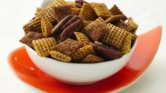 Chex Pumpkin Pie Crunch: Butter, brown sugar and spice make a sweet and crunchy cereal mix perfect for the holidays! Pumpkin Spice Chex Mix Recipe, Pumpkin Pie Crunch Recipe, Chex Party Mix Recipe, Chex Mix Recipes, Pumpkin Recipes, Snack Recipes, Cereal Recipes, Candy Recipes, Sweet Recipes