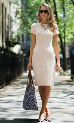 I like the cut of this dress