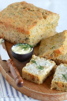 Cheddar-Dill Beer Bread Bread Recipes, Cooking Recipes, Scones, Beer Bread, Yummy Food, Tasty, Bread Baking, Bread Food, So Little Time