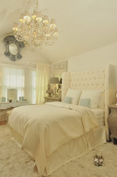 Refresh Your Mind in Luxurious Master Bedroom Decorating Ideas