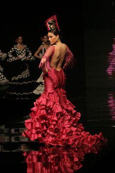 1d0f8c344e3d El Salón Internacional de la Moda Flamenca (SIMOF) reune cada Febrero en  Sevilla a · Flamenco ...
