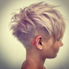 #violetblonde #kurzehaare #undercut #wasfriseurekönnenkönnennurfriseure #goldwell #silkliftash