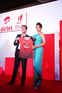 Bipasha Basu at the Airtel Delhi Half Marathon 2014 press meet to launch the new jersey. #Bollywood #Fashion #Style #Beauty