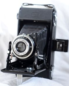 The Comprehensive Guide to Vintage Film and Cameras