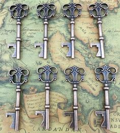 40x Bottle Openers Copper Wedding Favors Antique Rustic Decoration Alice In Wonderland 3 inch