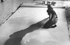 eloquence: Helen Frankenthaler in her NYC studio. Rest in peace.