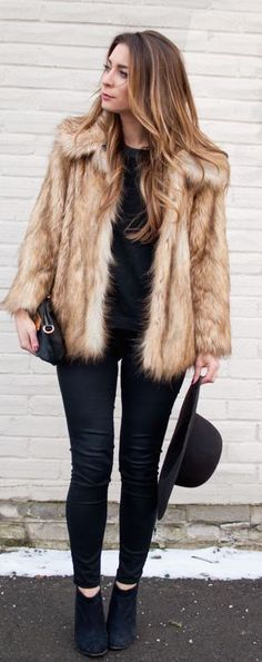 #winter #fashion / all black + faux fur coat