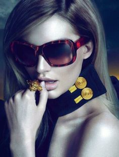#otticodimassa #versace #versacesunglasses #versaceeyewear #occhialidasole #sunglasses #eyewear #tendenze #estate2014