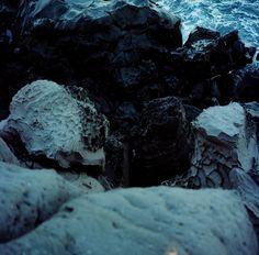 Sea & Stone / 海與石. Photo by Yanisk王奕錕.  @e-De-SIGN STUDIO