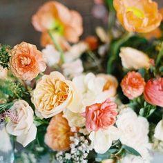Love is in the details 💛   photo @judypakphoto   flowers @poppiesandposies   #fireflyevents #weddings #gandsgetmarried