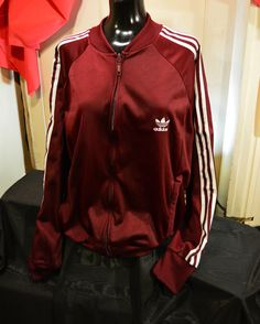 Buy adidas graphic tracktop jakke sort. Shop every store on