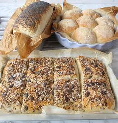 Make 1 loaf, 7 bread buns, 1 baking pan of seed bread on one dough. Baking Sheet, Baking Pans, Pie Mold, Seed Bread, Types Of Bread, Breakfast Bites, Bread Bun, Bread Recipes, Favorite Recipes