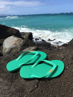 Who knew a flip flop could change the world. Read about Earth's favourite flip-flops by OLLI and change your world. Natural Rubber, Change The World, Flip Flops, Giveaways, Footwear, Awesome, Beach, House, Free
