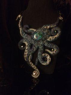 Collana di perline ricamata MIMICRY