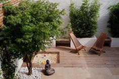 japanischer garten klein bambuspflanzen buddha statue